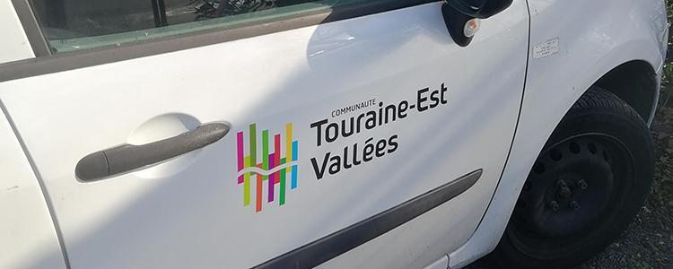 Adhésifs sur la flotte véhicule Touraine Est Vallées