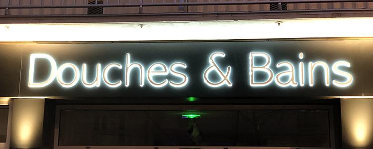 Enseigne lumineuse pour le magasin Douches & Bains de Tours (37)