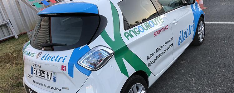 Covering de la Renault Zoé de l'école de conduite Kangouroute