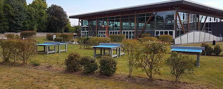 La piscine de la Riche s'équipe de tables de ping-pong en SC'PACK