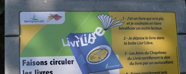 """Une borne """"Livr'libre"""" au manoir de la Tour"""