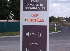 Pose de totems pour la Communauté de Commune TouraineVallée de l'Indre