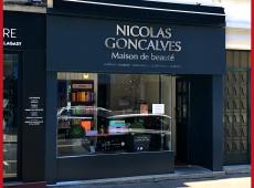 Réalisation de l'enseigne pour la maison de beauté NICOLAS GONCALVES à Tours (37)