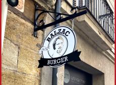 Double face ajourée avec le visage de monsieur Honoré de Balzac pour Balzac Burger à Tours (37)