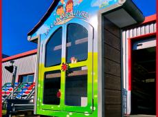 Cabane à livres conçue en SC'PACK spécialement pour les enfants