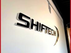 Enseigne d'intérieur en effet miroir pour l'accueil de l'agence Shiftech de Tours (37)